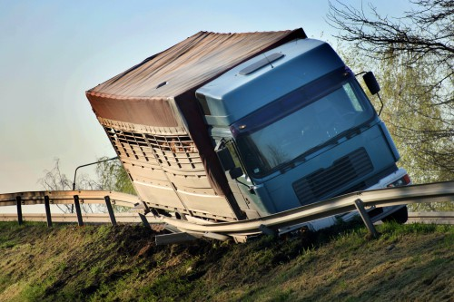 Things to Consider Before Filing a Truck Accident Claim (Maximize Your Compensation!)