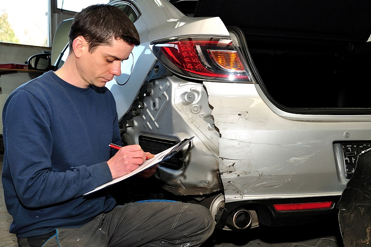 Dealing With Insurance Companies and Vehicle Damage After a Car Accident (Tricks and Mistakes)